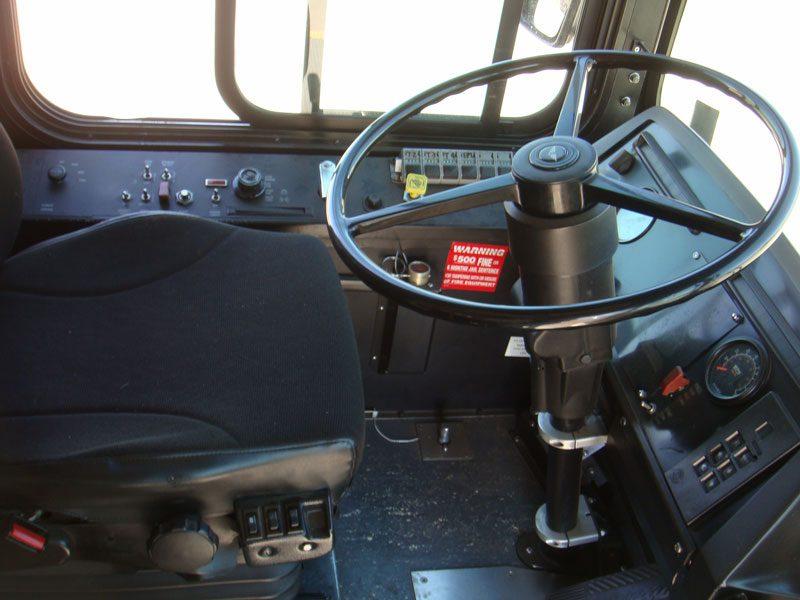 2001 40 ft Low FLoor New FLyer C-40LF driver area